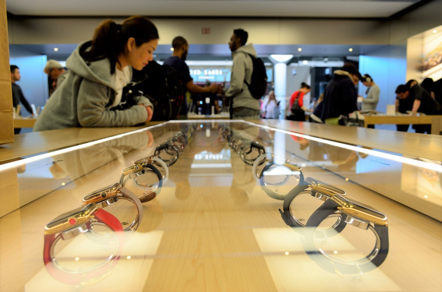 Apple Watch en el escaparte de una Apple Store